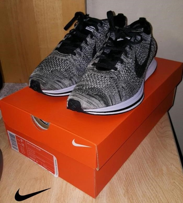 Nike Proficiently Oreo Mens Flynit Shoes Racer ABMNOYZ145